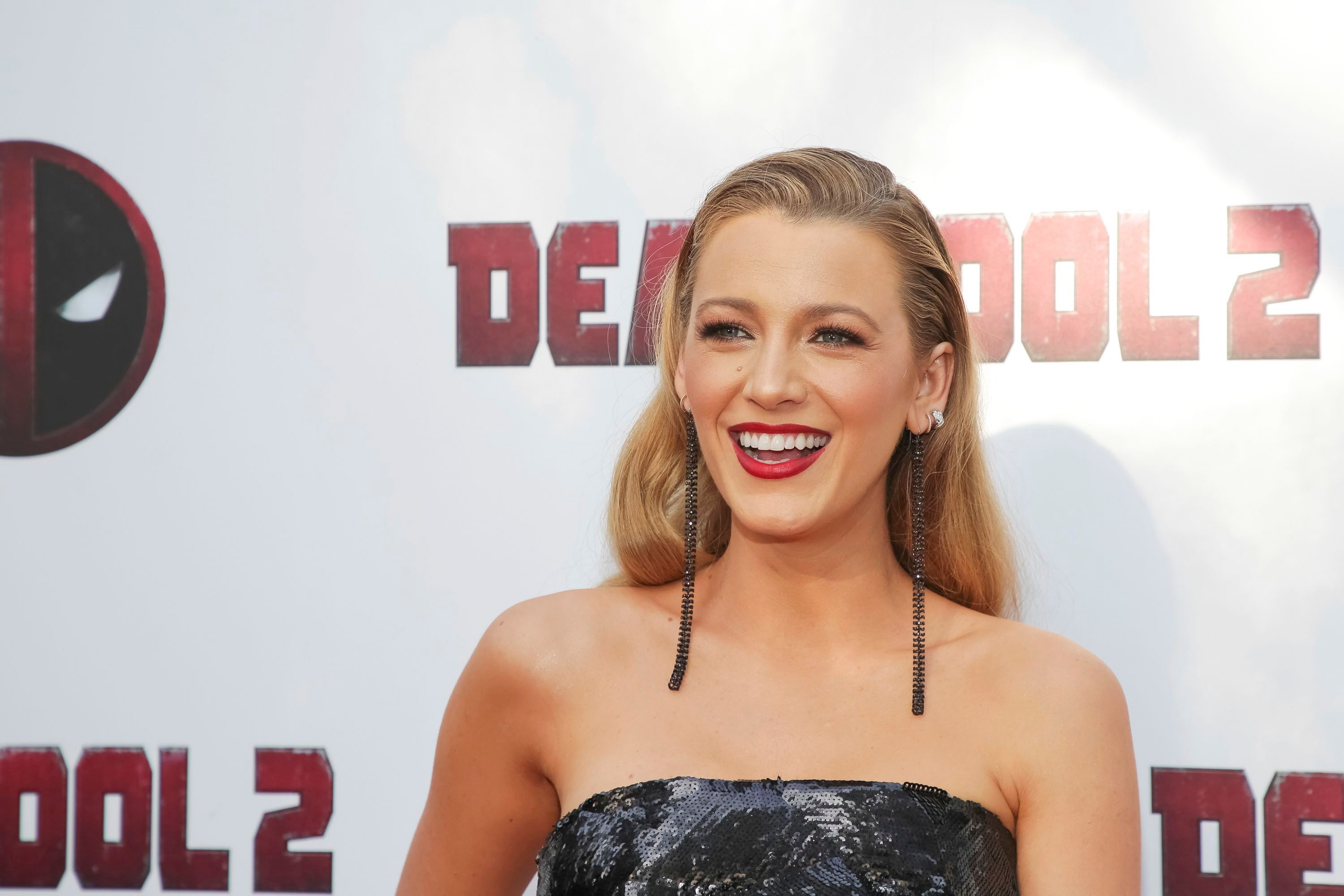 Blake Lively Reminisces on Her Toned Abs Prior to Giving Birth to Her 3 Kids: 'I Miss Us'