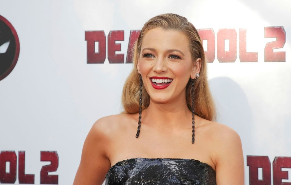 blake-lively-abs