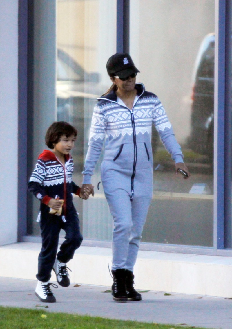 Halle Berry and her son Maceo takes a stroll around Beverly Hills and find time to take some pictures along the way.