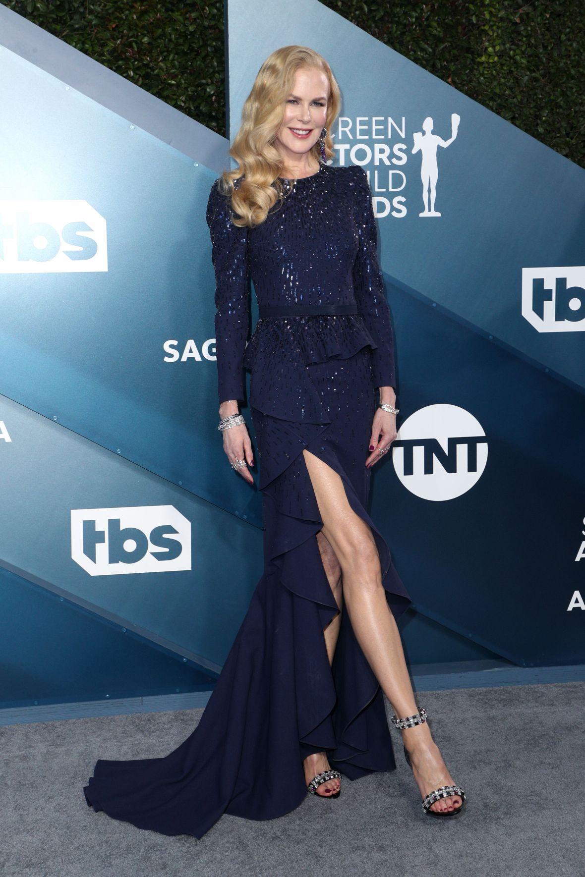 Nicole Kidman Shows Off Legs at 2020 SAG Awards
