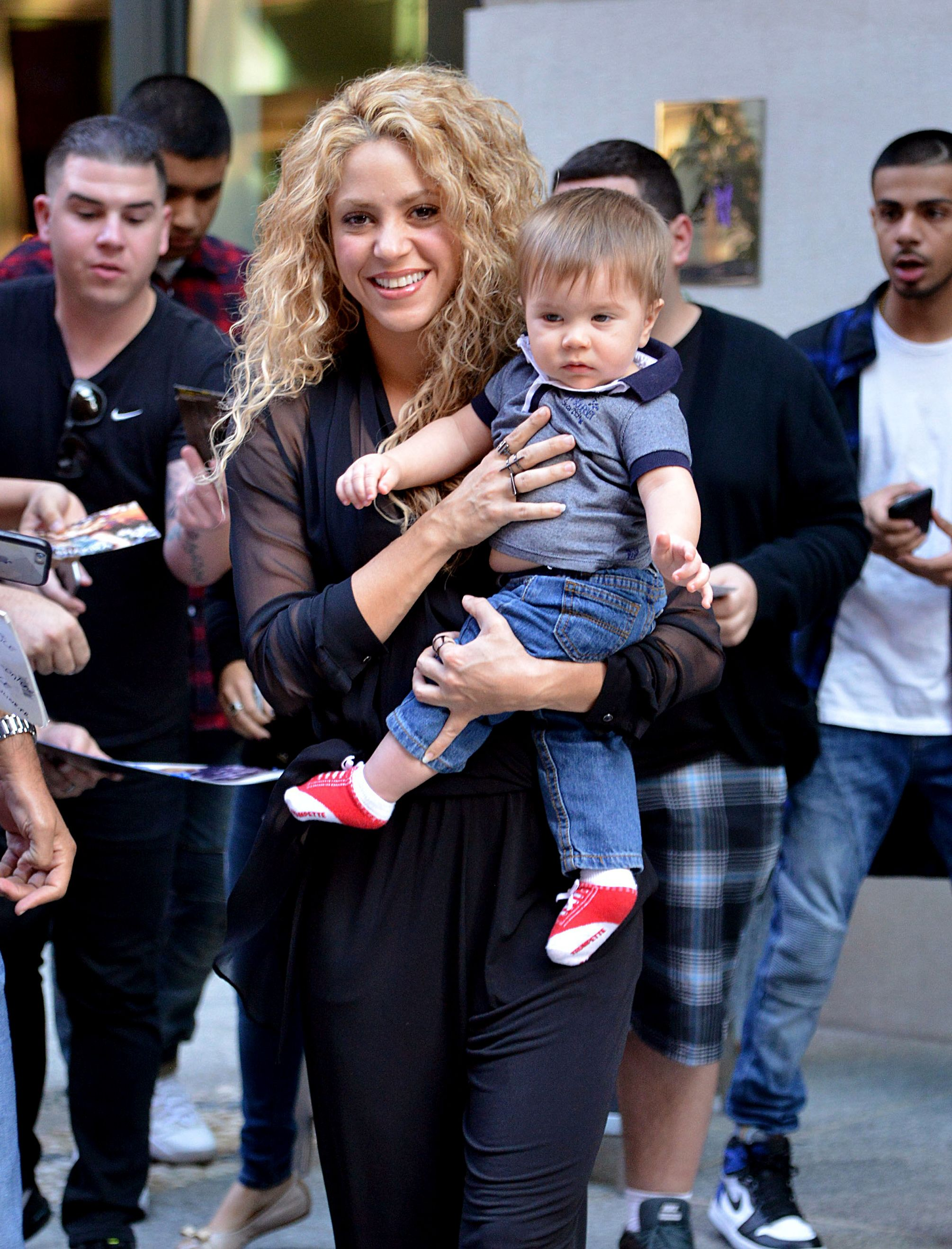 Who Are Shakira S Kids Meet The Singer S Sons Milan And Sasha
