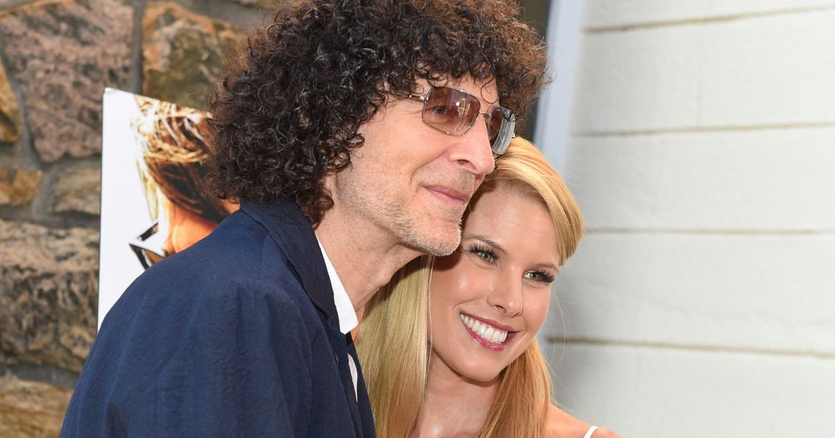 The Sweet Reason Howard Stern's Wife Can't Stop Reading His Book