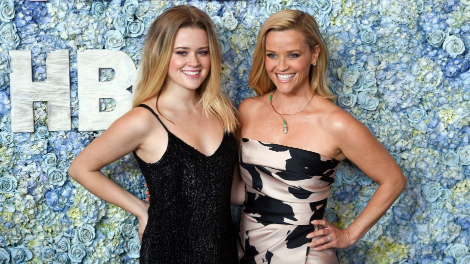 Reese witherspoon and daughter ave spend weekend together