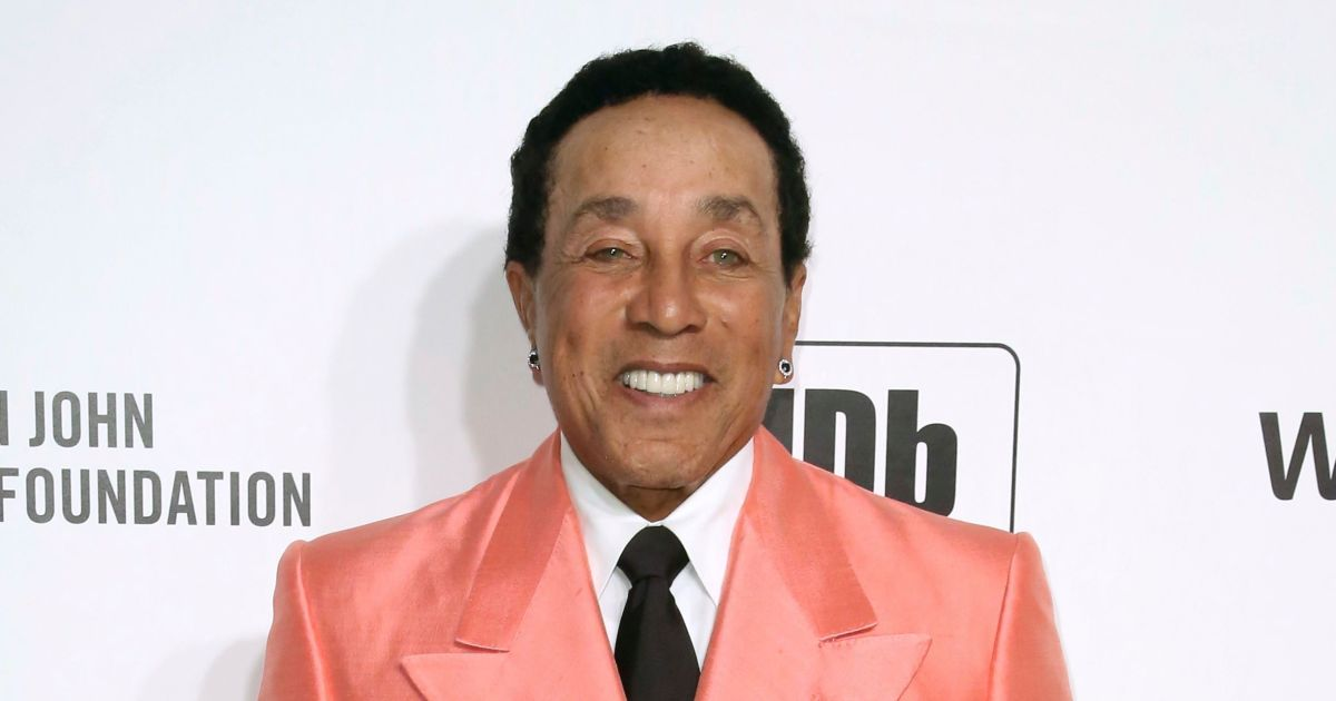 Smokey Robinson Reveals What He Would Tell His Younger Self