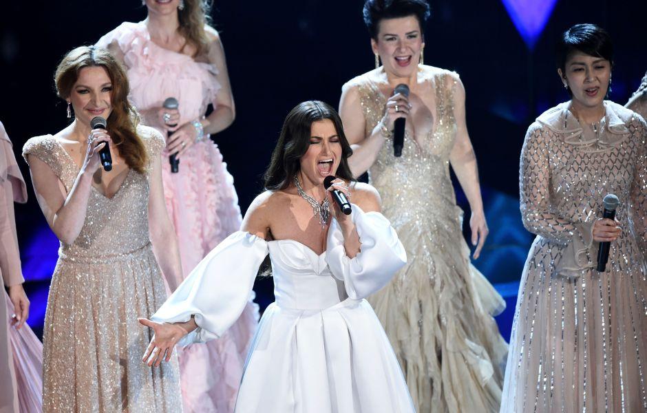 Idina Menzel Doing a 'Frozen' Performance at the 2020 Oscars