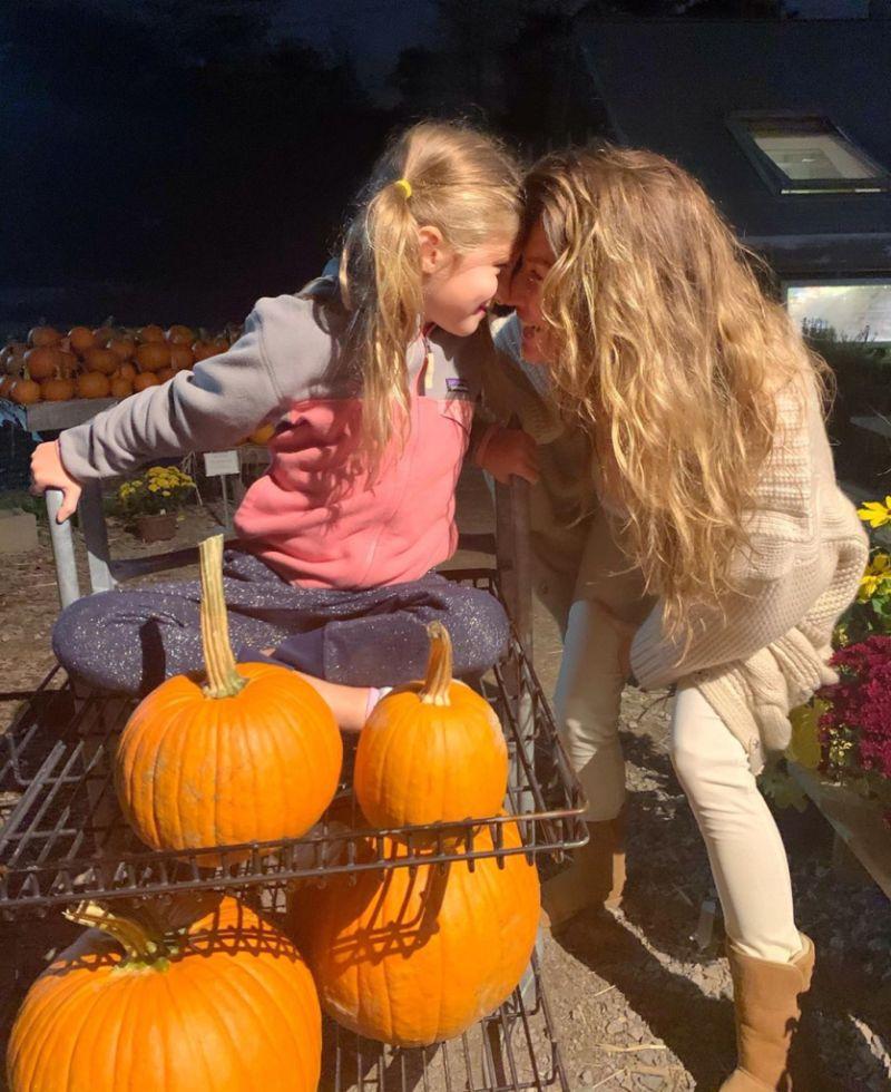 Gisele Bundchen and daughter Vivian