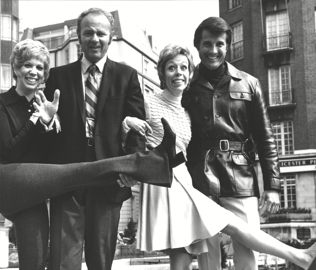 Carol Burnett American Comedienne (2nd Right) In London With Her Show Team (l-r) Vicki Lawrence Harvey Korman And Lyle Waggoner. Box 0626 24072015 00391a.jpg.