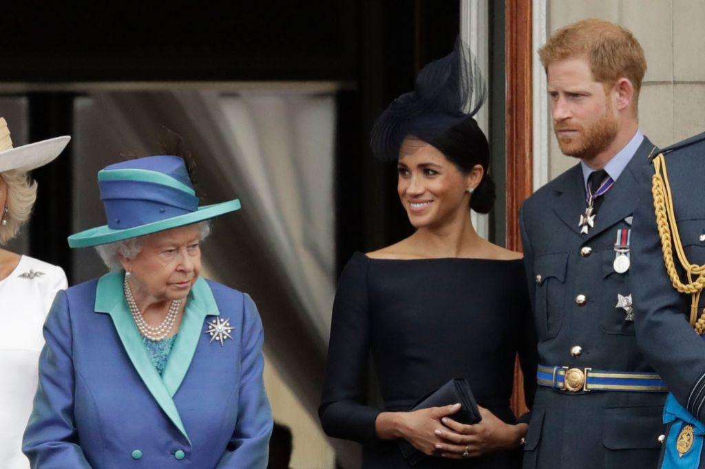 queen-elizabeth-prince-harry-megxi