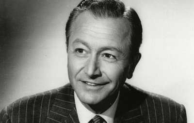 Robert Young black and white head shot