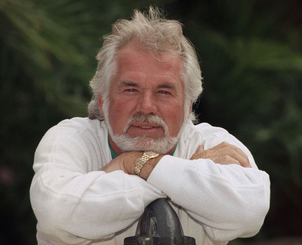 Kenny Rogers The Gambler And More Your Guide To His Movies