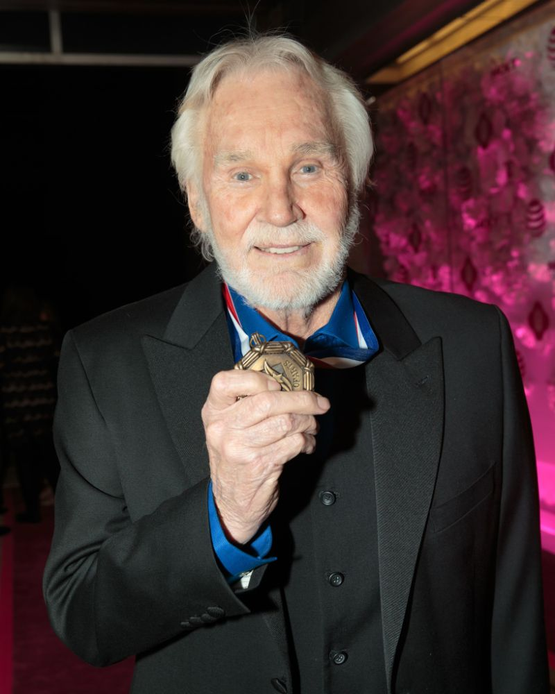 What Is Kenny Rogers Net Worth See How Much Money The Singer Made
