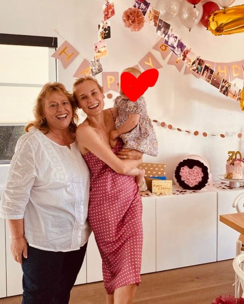 diane-kruger-and-daughter-celebrate-her-moms-70th-birthday-photo02