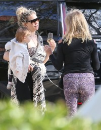 Kate Hudson out and about, Los Angeles, USA - 19 Apr 2020
