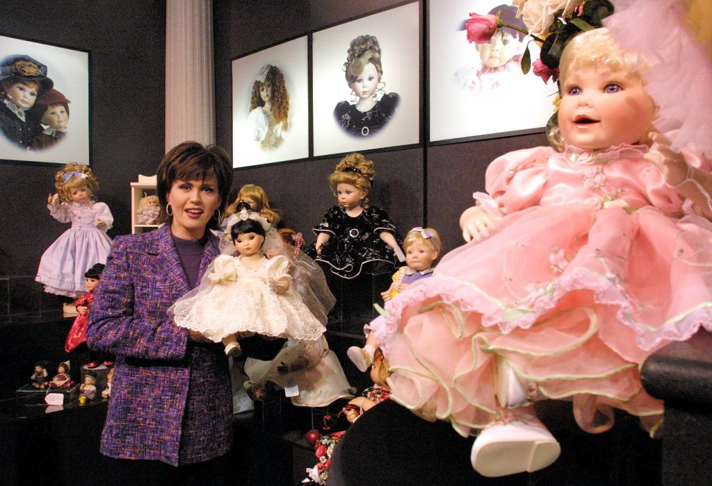 Marie Osmond doll signing at the Flamingo, Las Vegas, America - 13 Feb 2009