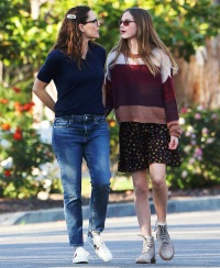 Jennifer Garner and Violet Affleck out and about, Los Angeles, USA - 13 Apr 2020