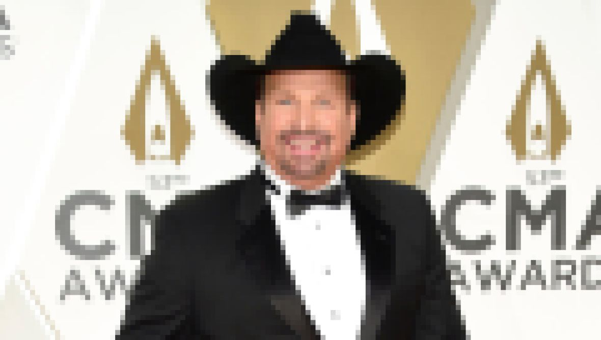 garth-brooks-net-worth-how-much-money-does-the-country-star-have