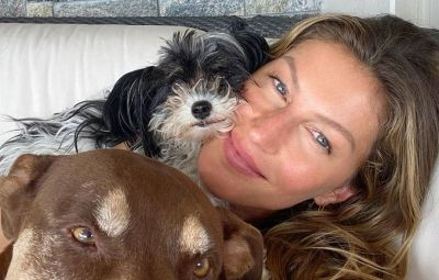 Gisele Bundchen and her dogs