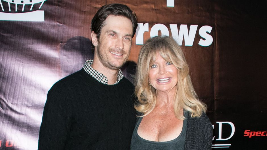 oliver-hudson-jokes-he-gets-his-insanity-from-mom-goldie-hawn