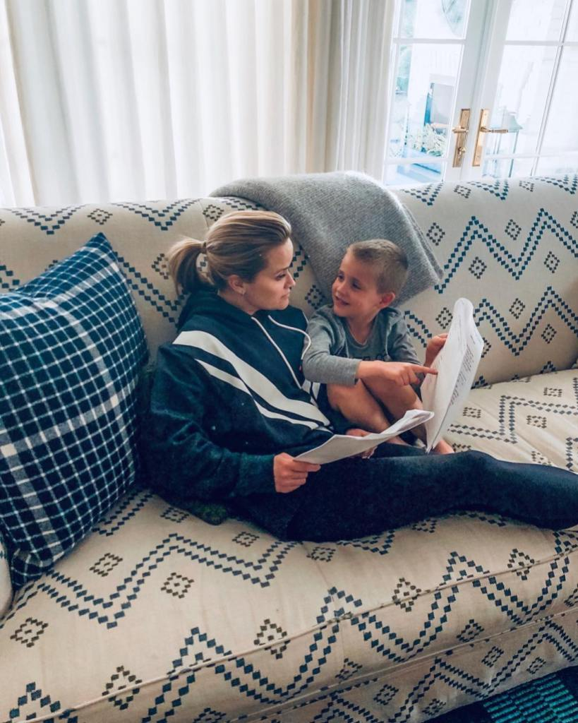 reese-witherspoon-shares-cute-photo-of-her-homeschooling-son-tennessee