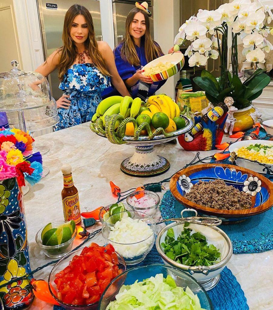 sofia-vergara-and-niece-claudia-makes-cinco-de-mayo-family-dinner