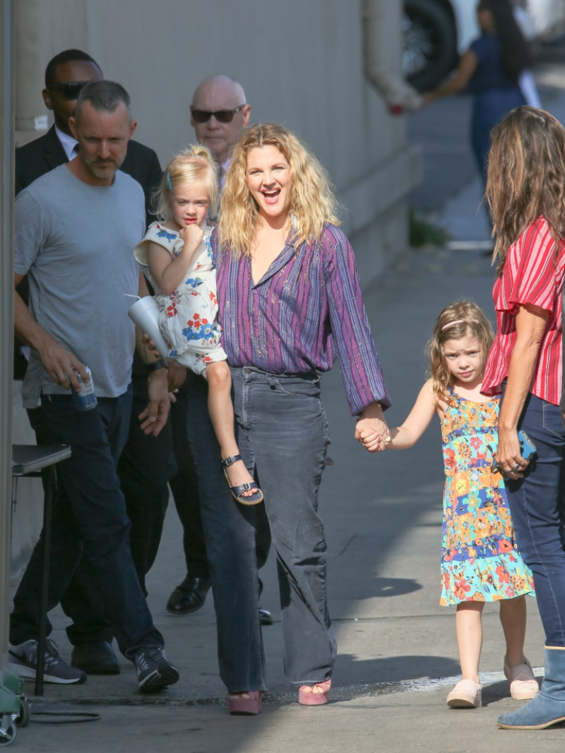 drew-barrymore-shows-off-the-impressive-fort-she-built-with-daughters-olive-and-frankie