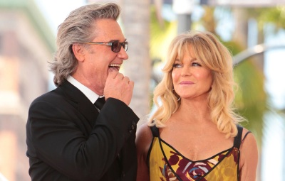 goldie-hawn-calls-boyfriend-kurt-russell-my-angel-on-fathers-day
