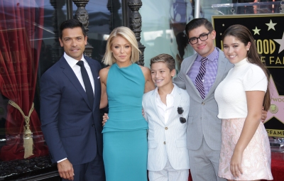 kelly ripa kids family
