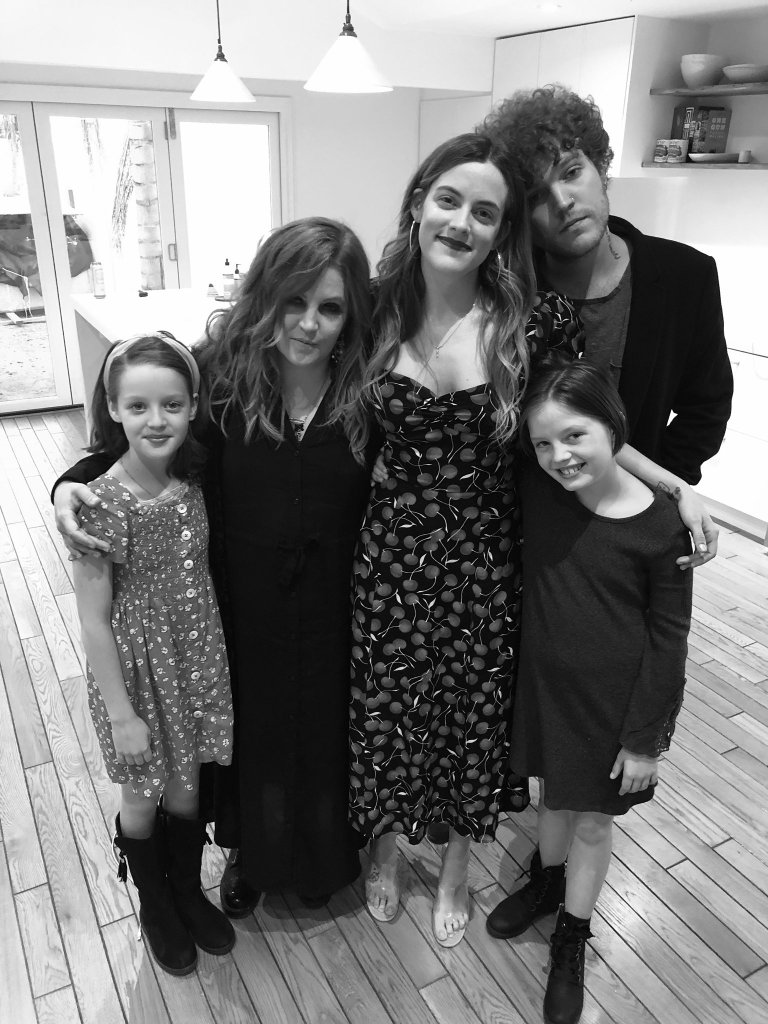 lisa-marie-presleys-kids-a-guide-to-the-singers-4-children