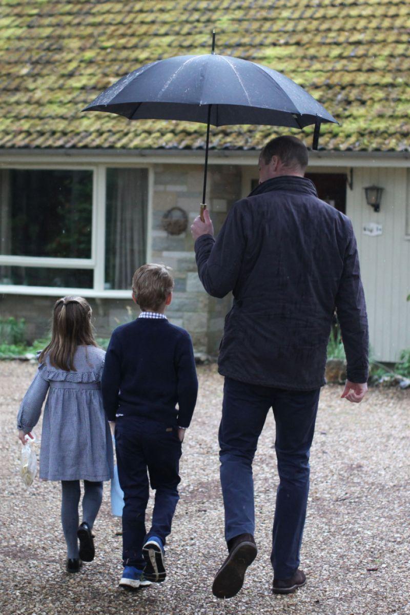 Prince William and children help deliver food packages, Sandringham, UK - 06 Jun 2020