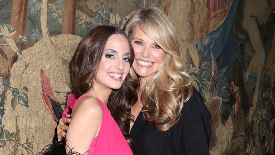 christie-brinkley-cut-oldest-daughter-alexa-ray-joels-hair-photos.