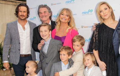 goldie-hawn-and-kurt-russells-cutest-photos-with-their-grandkids