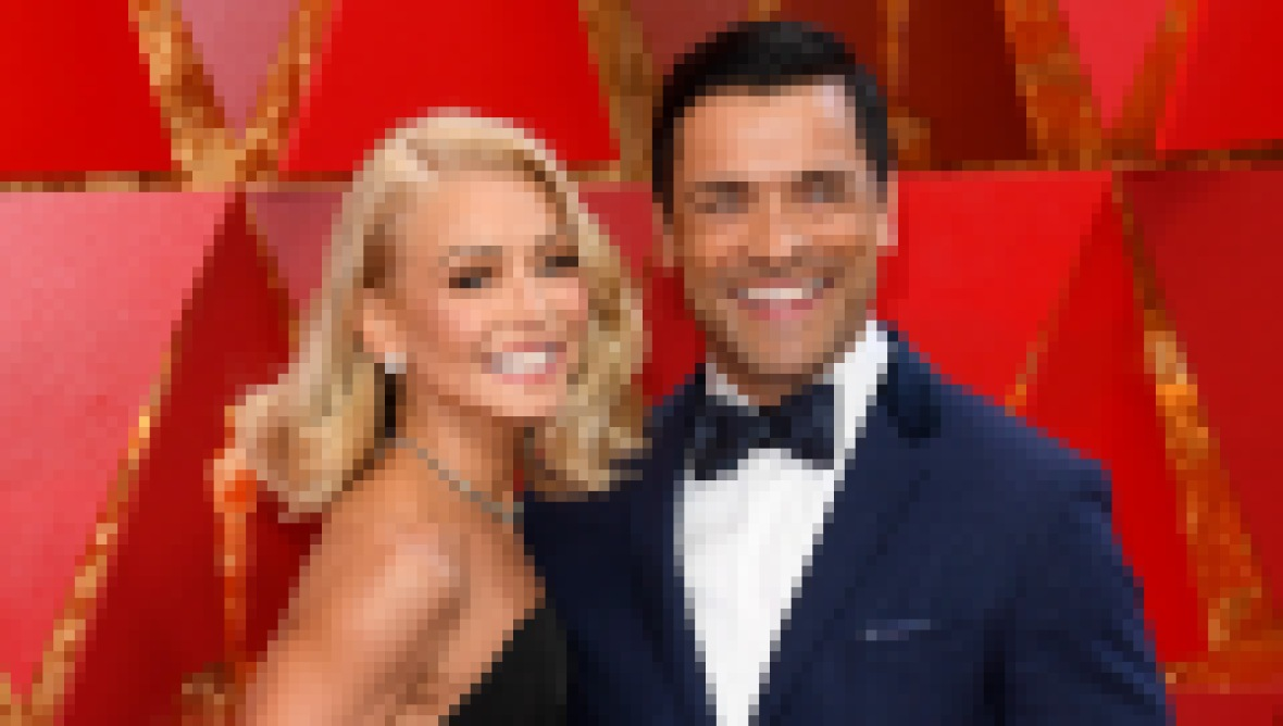 how-did-kelly-ripa-meet-husband-mark-consuelos-relationship-details
