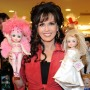 marie-osmond-recreates-childhood-photo-with-her-doll-collection