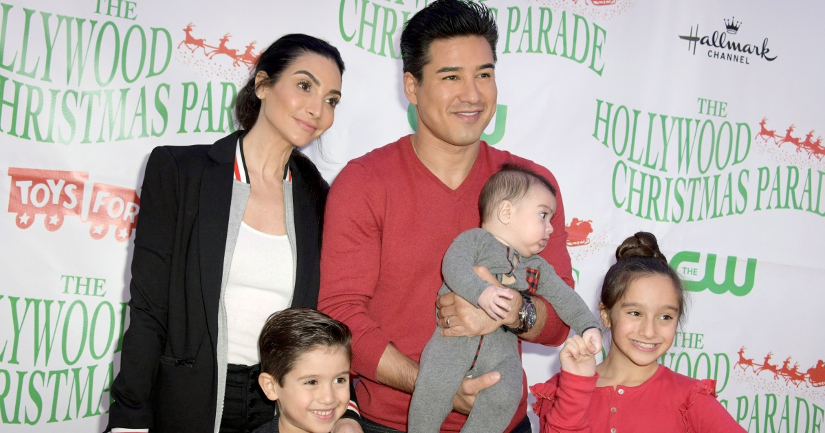 Mario Lopez S 3 Kids Play The Piano Together In Cute Family Video