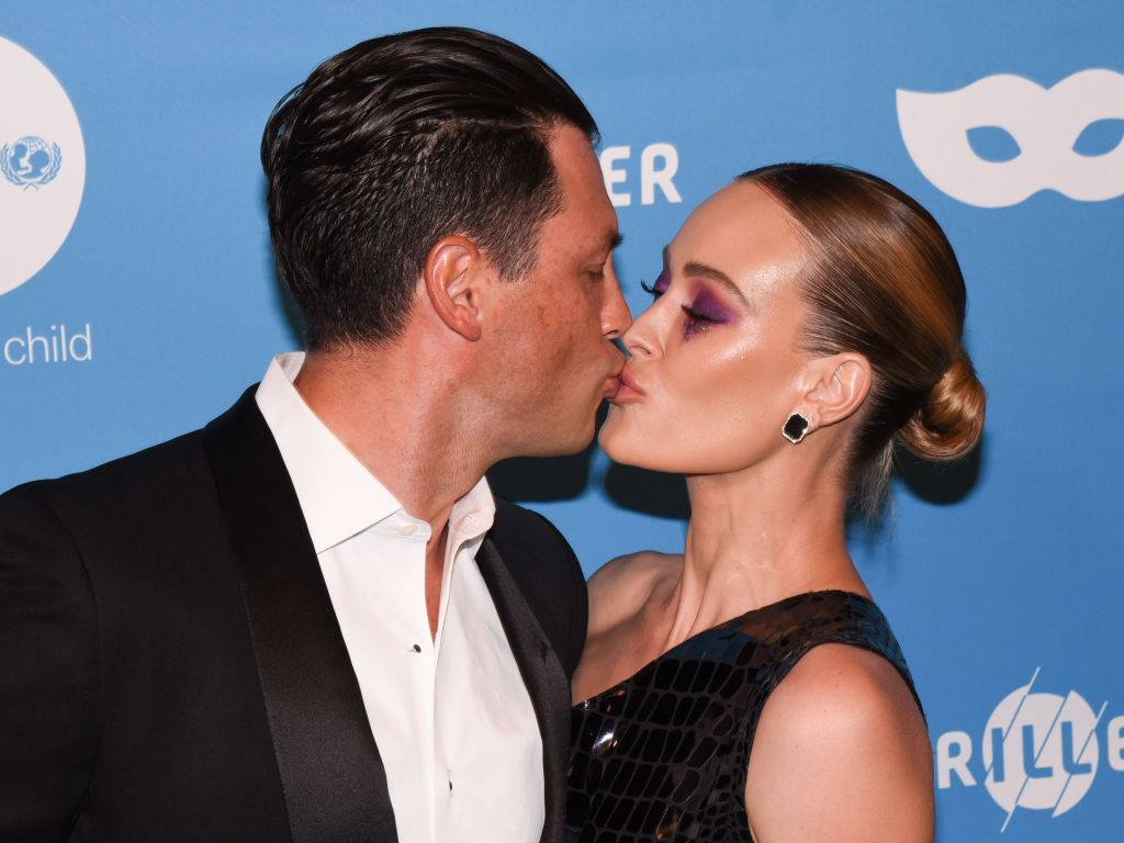 peta-murgatroyd-and-maksim-chmerkovskiy-celebrate-7th-anniversary
