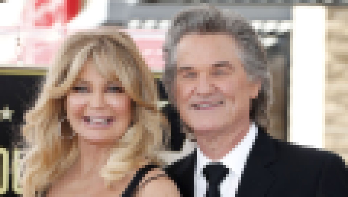 where-does-goldie-hawn-live-photos-of-l-a-home-with-kurt-russell