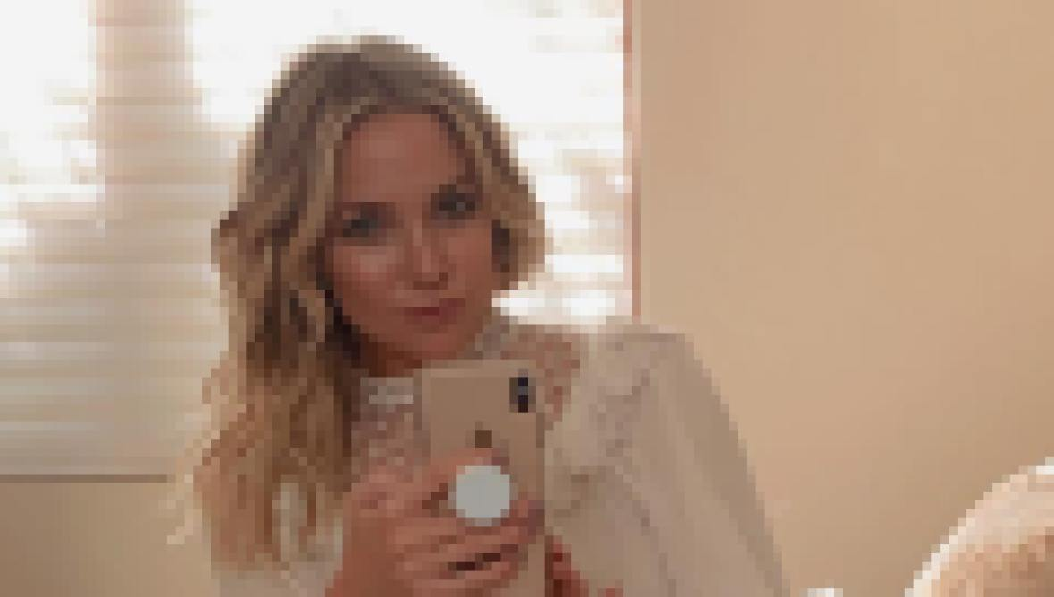 where-does-kate-hudson-live-photos-inside-the-actress-l-a-home