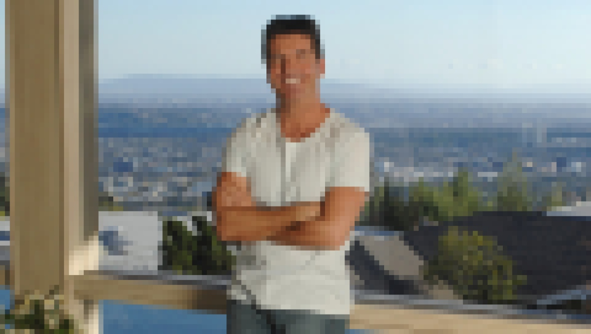 where-does-simon-cowell-live-see-photos-of-his-l-a-and-u-k-homes