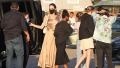 angelina-jolie-and-her-6-kids-go-to-dinner-in-los-angeles-photos