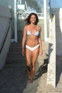 brooke-burke-shows-off-fit-figure-while-modeling-in-sexy-bikini