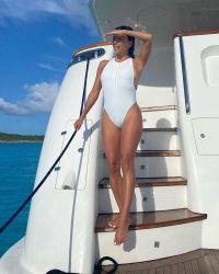 eva-longorias-sexiest-swimsuit-photos-see-the-actress-amazing-body12