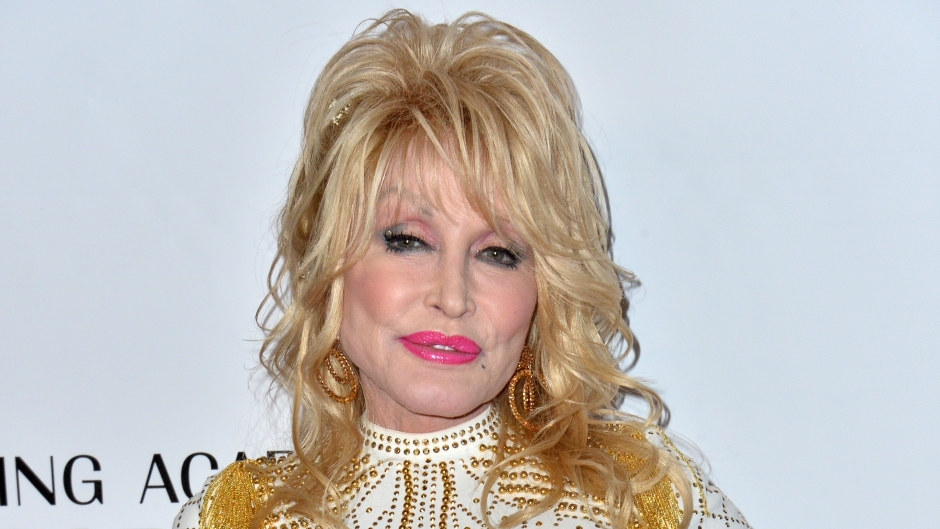 where-does-dolly-parton-live-photos-inside-her-brentwood-tn-home