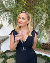 2020-Emmy-Awards-Fashion-reese-witherspoon