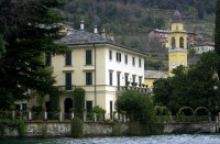 George and Amal Clooney's waterfront villa in Lake Como George-clooney-and-amals-home-in-lake-como-italy-photos02