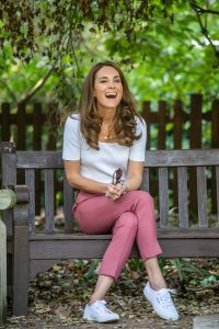 kate-middleton-wears-a-casual-top-and-pants-on-royal-outing