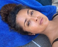 salma-hayeks-makeup-free-selfies-see-the-actress-gorgeous-photos