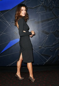 kate-walsh-shows-off-her-fit-figure-in-a-black-dress-photos