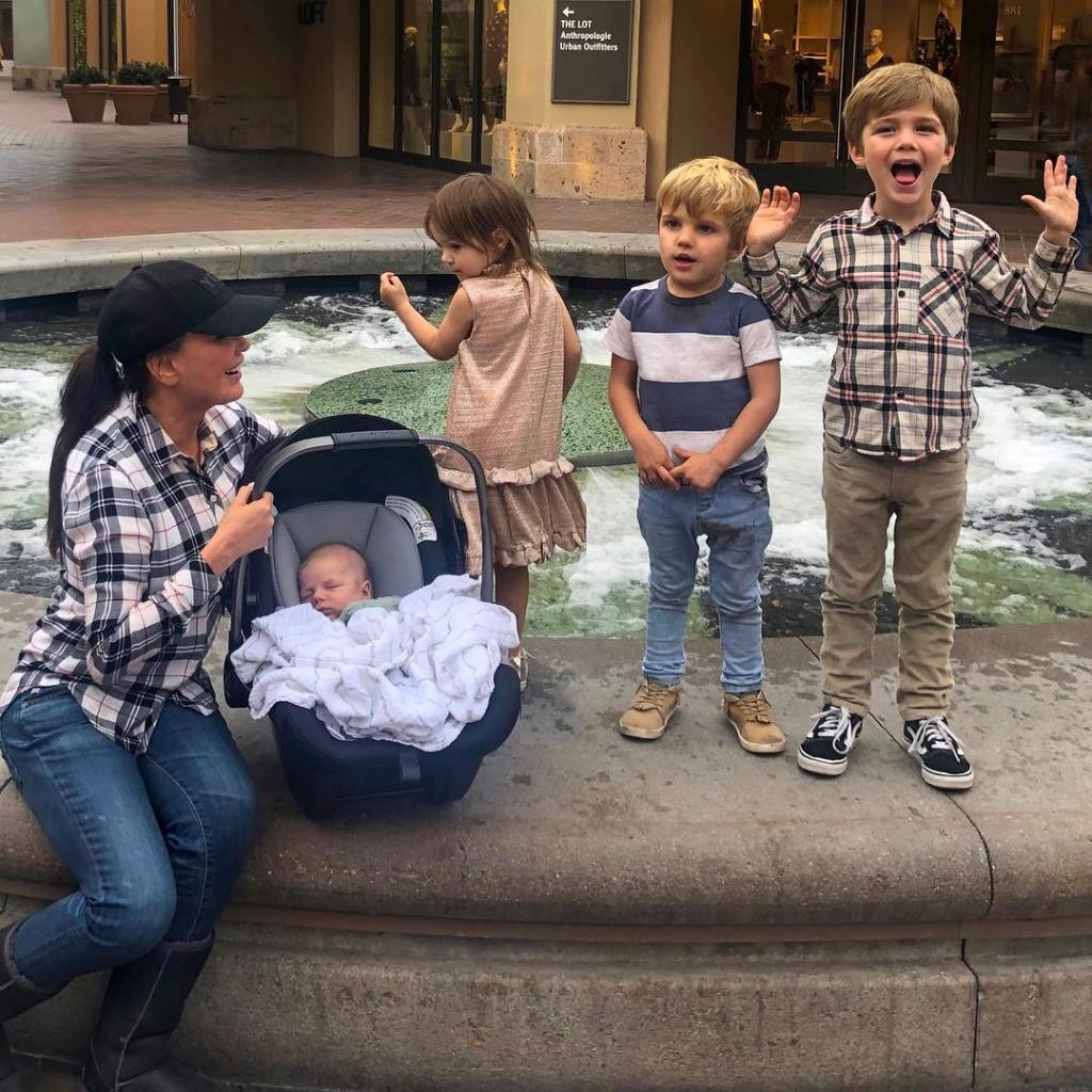 marie-osmond-and-her-grandkids-see-photos-of-the-singers-family12