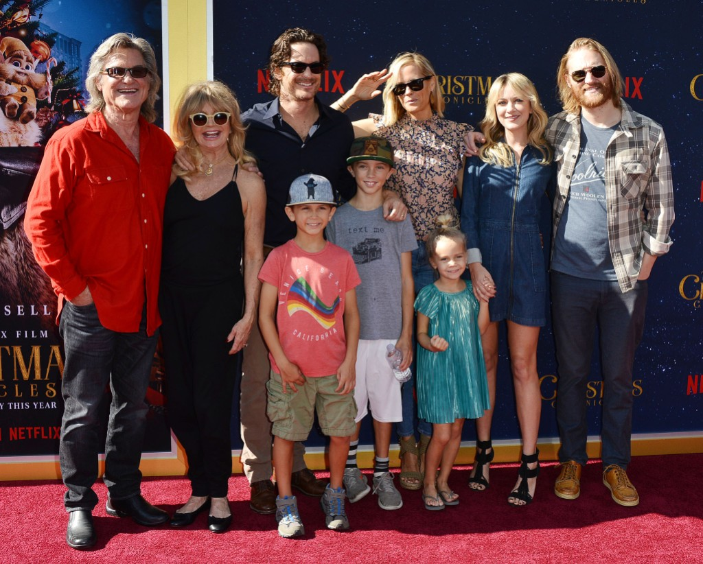 goldie-hawns-family-with-kurt-russell-is-worth-everything