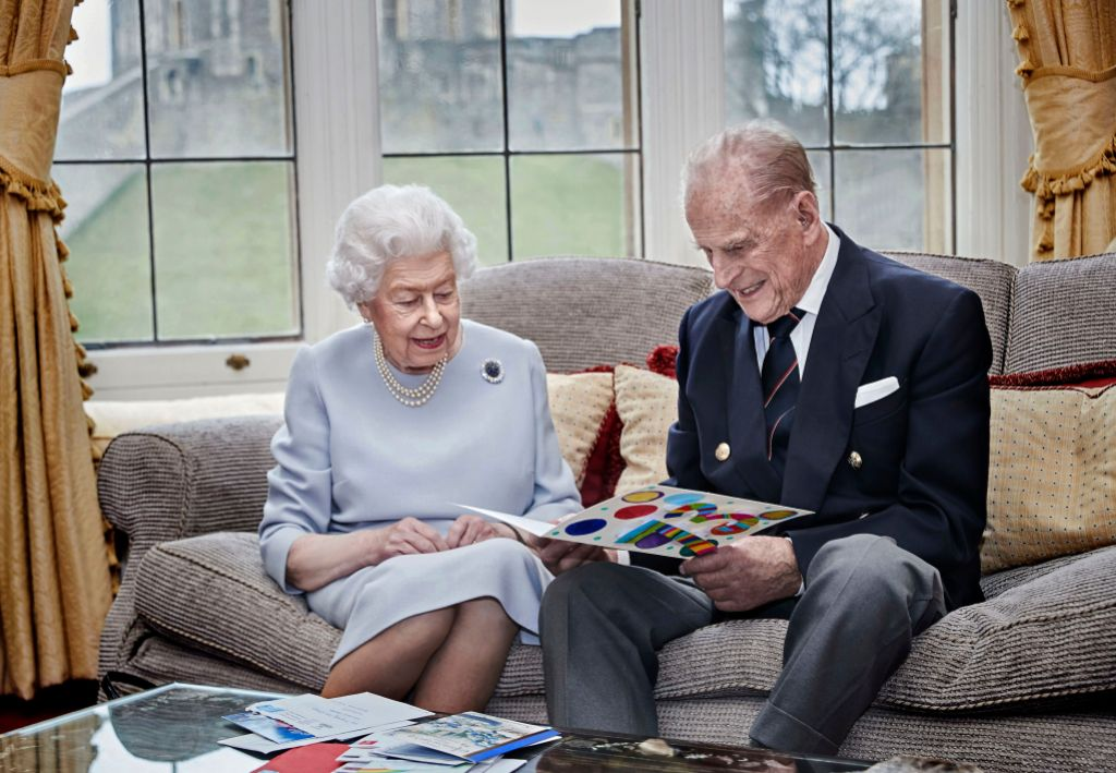 queen-elizabeth-and-prince-philips-73rd-anniversary-photo